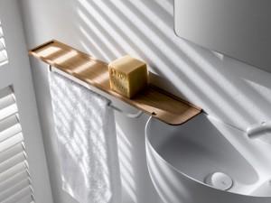 Falper repisa en madera con toalleros en laton WL5